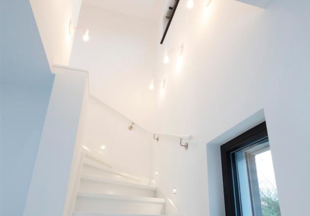Architekturbüro Nouri Schellinger Passivhaus Innenansicht Treppe
