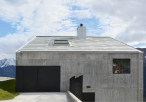 Hurst Song Architekten Betonhaus in den Bergen Aussenansicht