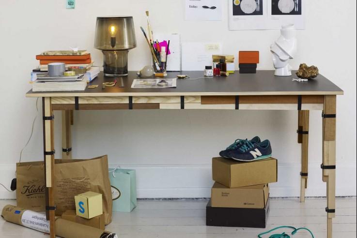Muuto cosy in grey Tischleuchte Design Skandinavien