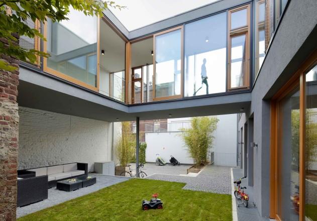 Carsten Blankenhorn Umnutzung einer Werkstatt Einfamilienhaus Hof