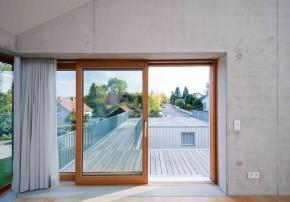 Heilergeiger Architekten sinnliche Gegensätze Einfamilienhaus Sichtbeton Dämmung Dachterrasse
