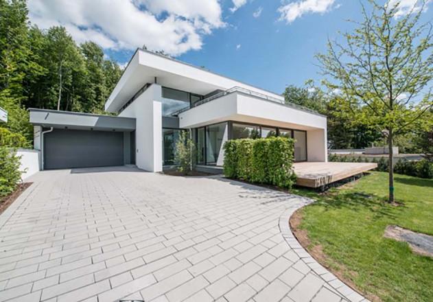 architektenhaus-bad-soden-taunus-2015-hofeinfahrt.jpegWEB