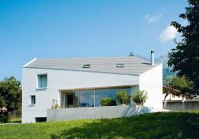 atelier-f fünfeckiger Monolith Aussenansicht Terrasse