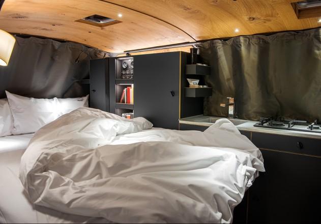 Nils Holger Moormann Luxus Immobilie VW T6  Innenraum  Bett