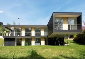 Schneider Architekten Nachverdichtung am Hang Pfosten-Riegel-Bau Gartenseite