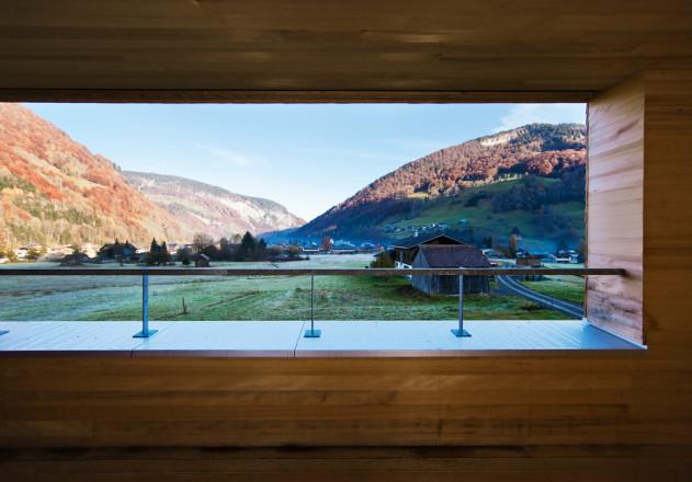 Haller und Plattner Holzriegelhaus Holzverschindelung  Balkon Loggia