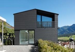 Albertin Partner Architekten Einfamilienhaus Holzelementbauweise Seitenansicht