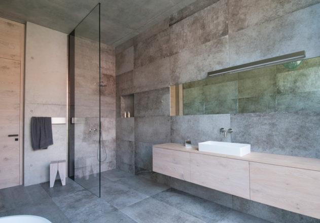 Architekturbüro di Simone Architektin Einfamilienhaus Starnbergersee  Badezimmer