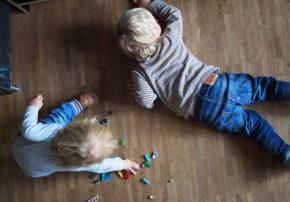 bautagebuch-kuechentraeume-kueche-kaufen-kinder-spielen-mit-lego