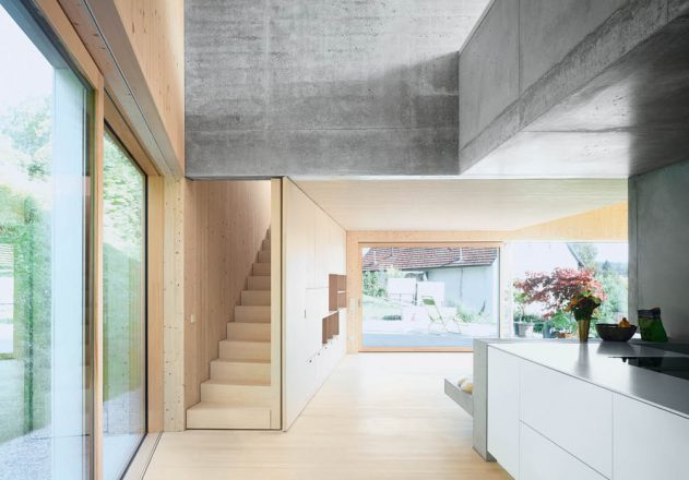 Holz-Beton-Haus-am Hang