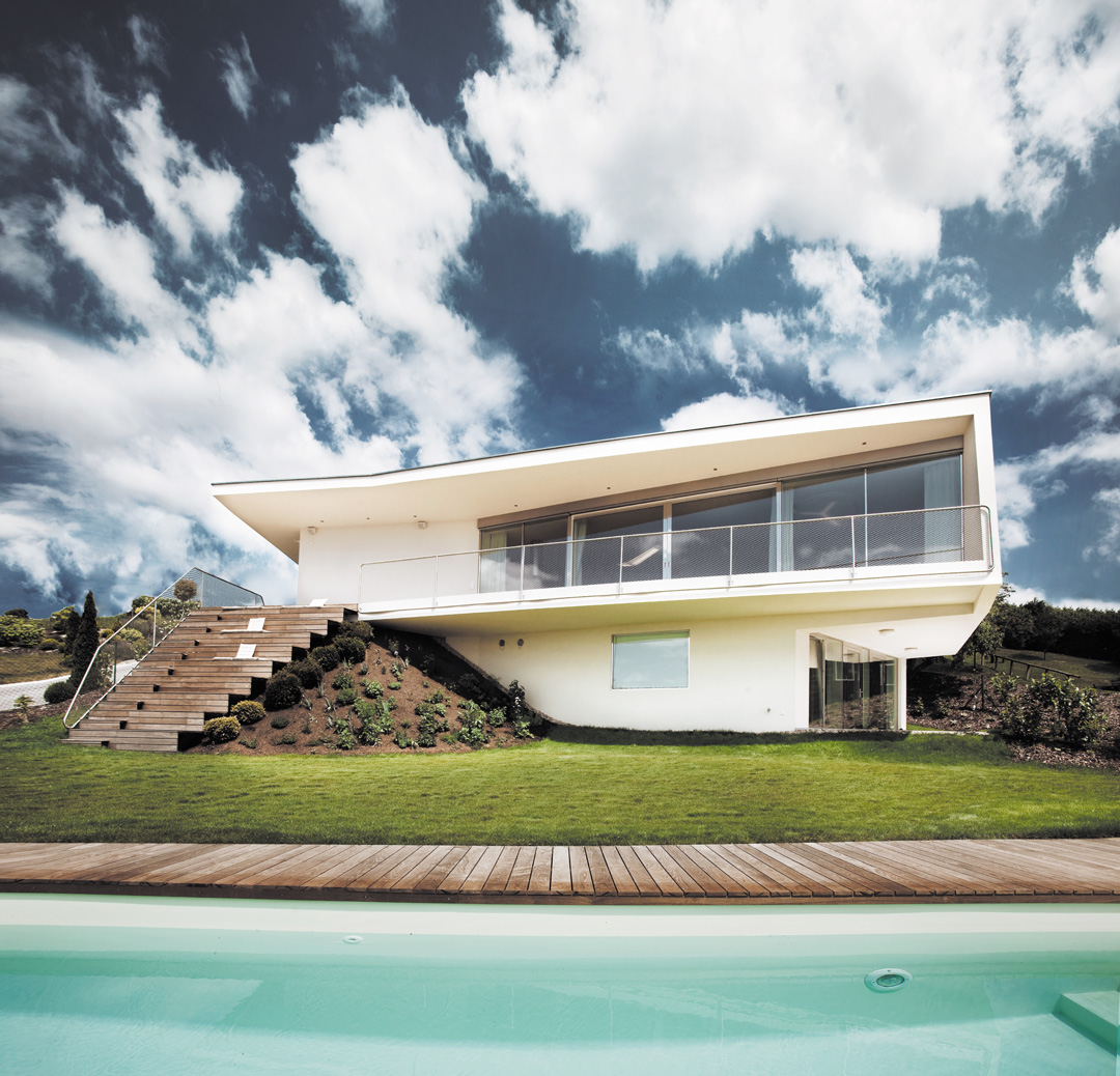 LOVE architecture and urbanism Villa mit Pool Graz Aussenansicht mit Pool